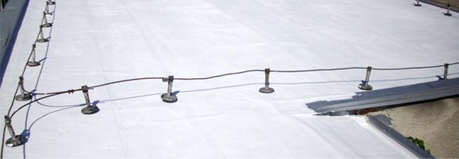 Izolace ploché střechy speciálním izolačním materiálem